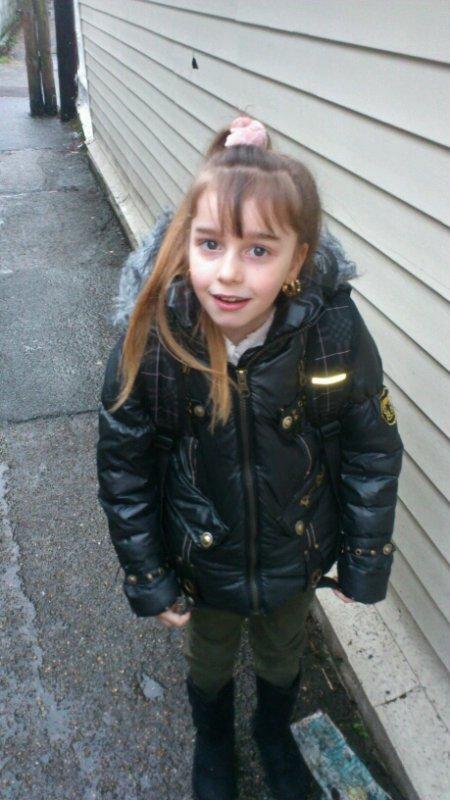 Ma poupéema fille le jour Dr C est 8 ans