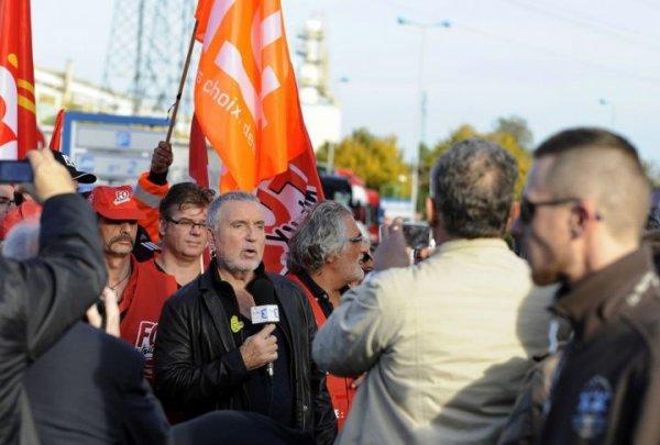 Bernard Lavilliers à Florange avec les salariés d'ArcelorMittal - Article LeParisien.FR