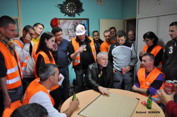 """PHOTO DU SITE """"La lutte des sidérurgistes et sous-traitants d'Arcelor contre Mittal"""""""