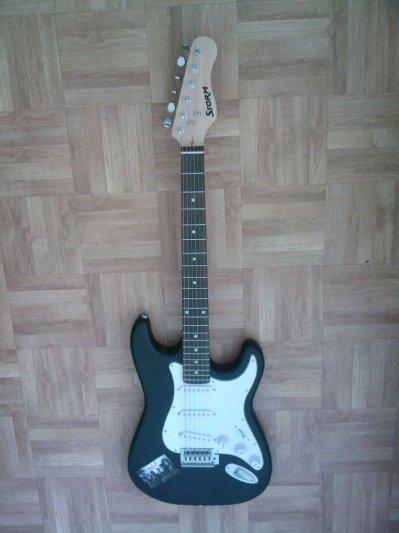 Ma guitare^^