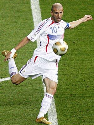 ZIDANE le grand footballeur français de tous les temps