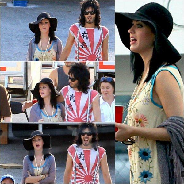 01 Juin : Katy a était aperçu rejoignant  Russell sur le set de son nouveau film, à Miami en Floride.