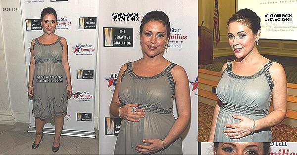 .  28.04.11 - Alyssa était présente il y a quelques heures au gala organisé par la Creative Coalition et Blue Star Families à Washington. + 3 Photos d'elle alors qu'elle arrivait à la Maison Blanche .  .