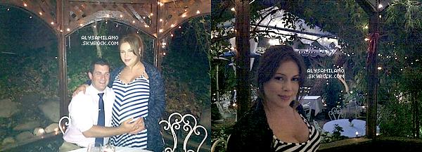 . Alyssa a postée deux photos d'elle et David lors de la soirée qu'elle a passé avec David pour fêter leur 2 ans de mariage.   .