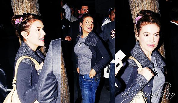 .  __04.06.12__  ▬ Alyssa a été photogaphiée alors qu'elle se rendait au match des LA Kings. .