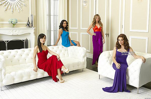 .  La chaîne ABC a décidé de sortir 3 nouvelles photos promos pour Mistresses. J'aime beaucoup les photos (et les tenues) ! Et la photo d'Alyssa toute seule est vraaaaaiment.. SUBLIME !♥