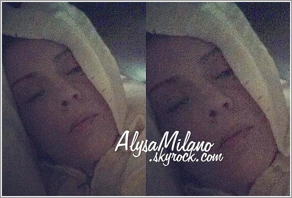 . Alyssa a postée une nouvelle photo sur Instagram : « The face of the flu... ». Traduction : Le visage de la grippe,  donc je pense qu'Alyssa ne sera pas de sortie ces prochains jours..