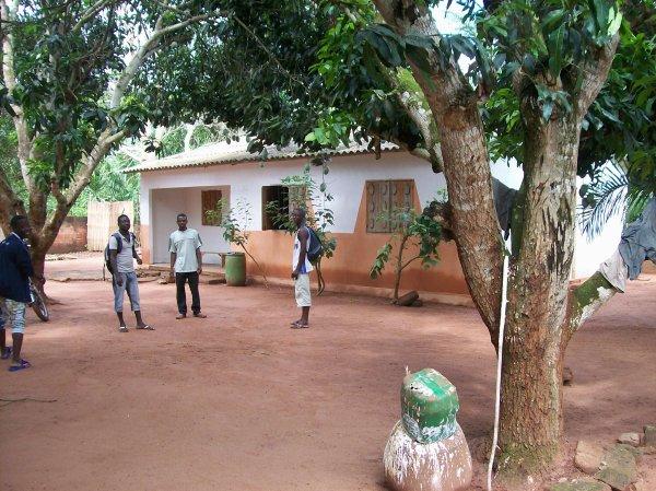 Togo mai 2012 Remerciement à la mairie de Bonsecours, Mme Thérèse et Mr Daniel L., Mme Aline M. et Melle Karine L.