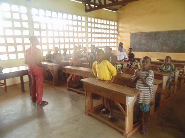 Soutiens Scolaire et aide aux femmes de Gati Togo aout 2014