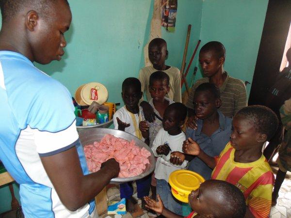 Remerciement à nos volontaires du mois de mai, juin et septembre Saly Sénégal octobre 2014