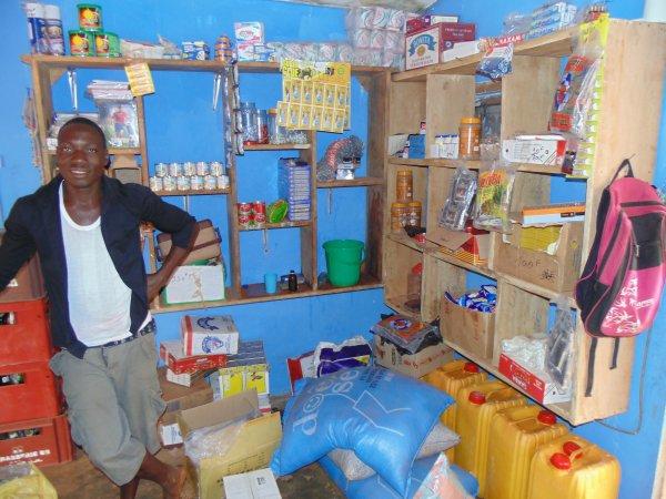 Hôpital de Tsévié, prévention sida et ouverture d'une boutique d'alimentation Togo janvier 2015