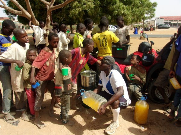 Tournoi de foot et remerciements Sénégal avril 2015