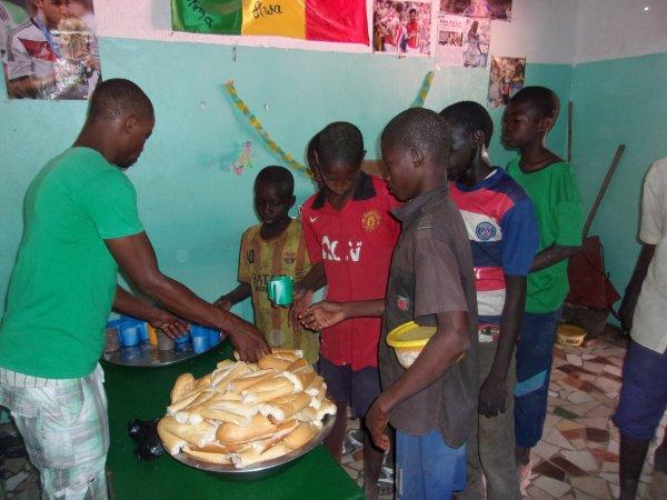 Au centre d'accueil des enfants des rues à Saly au Sénégal mai 2015