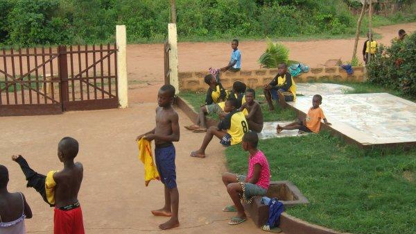Tournois de foot à Gati au Togo et remerciements mars 2016
