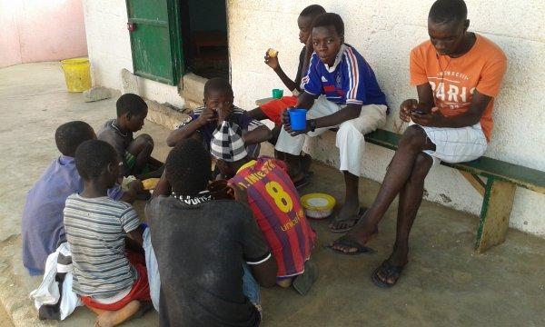 Centre d'accueil des enfants des rues à Saly au Sénégal et remerciements juillet 2016