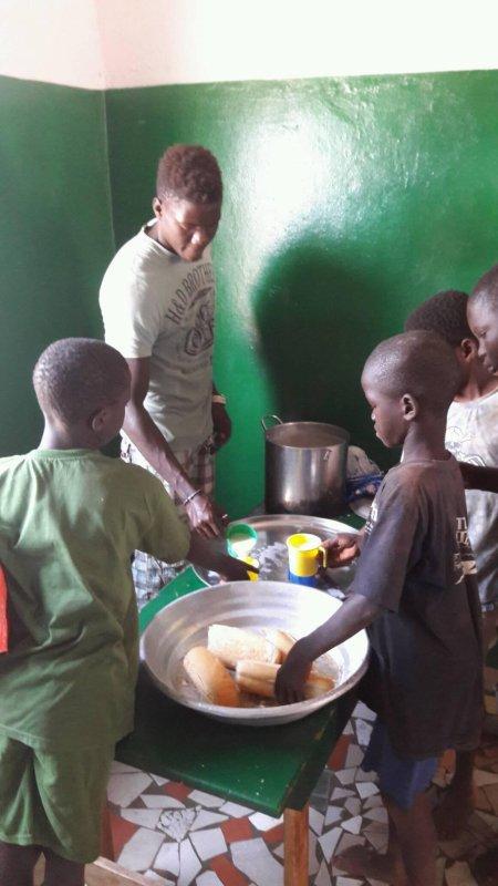 Centre d'accueil des enfants des rues à Saly au Sénégal et remerciements novembre 2016