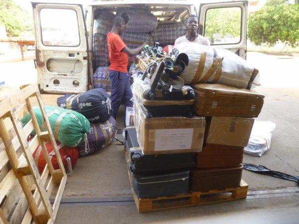 Arrivé des colis au Togo décembre 2016