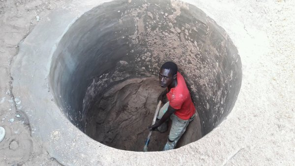 Construction d'un puit à Saly Sénégal février 2017