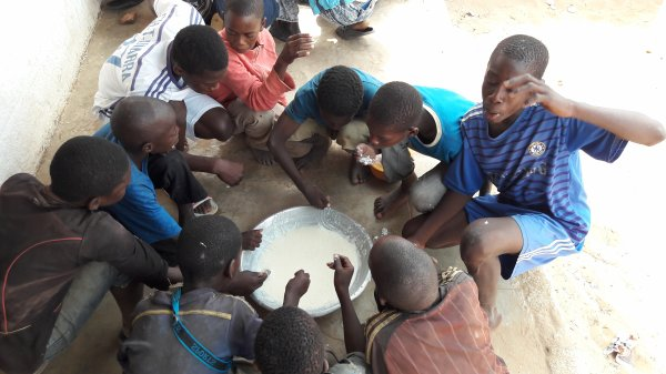 Centre d'accueil des enfants des rues à Saly au Sénégal et remerciements avril 2017