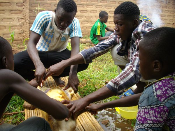 La vie dans notre orphelinat Togo juin 2017