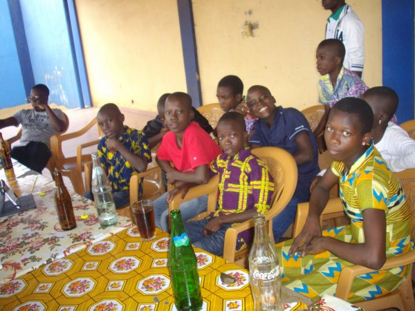 Sortie avec les orphelins et les enfants de Gati Togo juin 2017