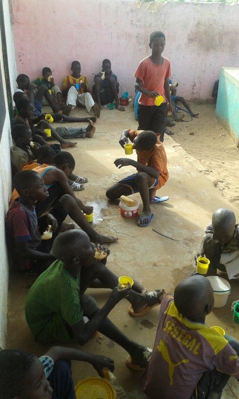 Centre d'accueil des enfants des rues à Saly au Sénégal et remerciements octobre 2017