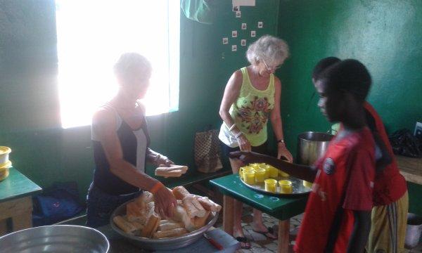 Remerciements à Noëlle, Nadya et Cécile Sénégal octobre 2017