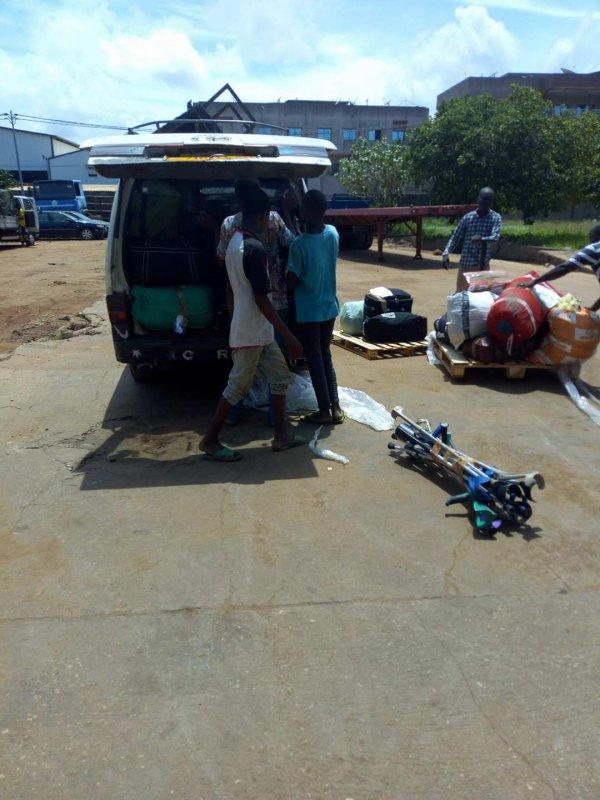Arrivée des colis Gati Togo juin 2018