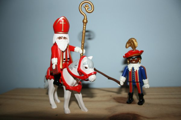 Saint Nicolas et Père fouettard Playmobil ref : 4893