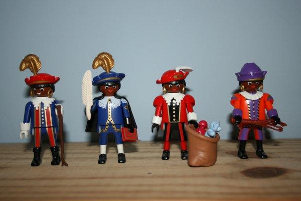 Les pierrots de Saint Nicolas en Playmobil.