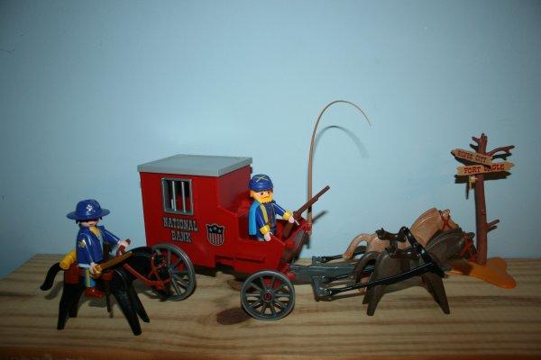 Gold transport Nordiste Playmobil (ref : 3037)