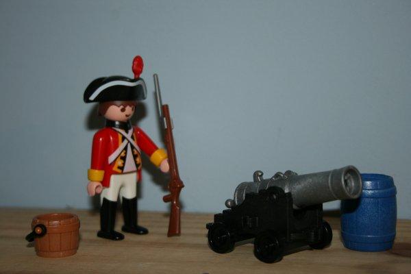 Soldat Anglais avec canon. Playmobil ref 5141.