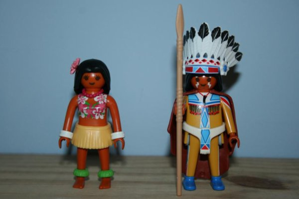 Playmobil figures. Couples d'indien.