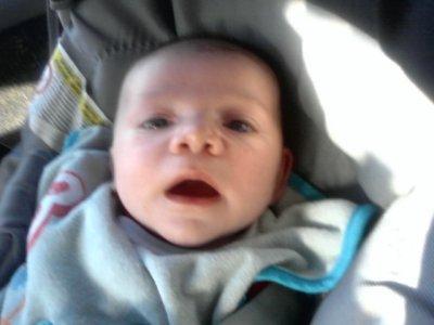 mon petit neveux nolhan ( je l adore)
