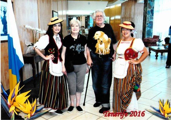 photo  des canarie  2016 tenerife moi mon mari et deu femmes