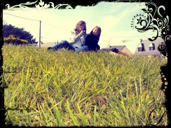 Elodie   &   Chloé