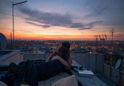 """""""C'est si bon d'être aimé, même si ça ne dure pas. C'est si bon de savoir que notre histoire a existé."""""""