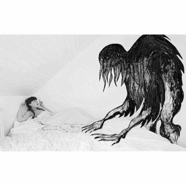 La paralysie du sommeil.