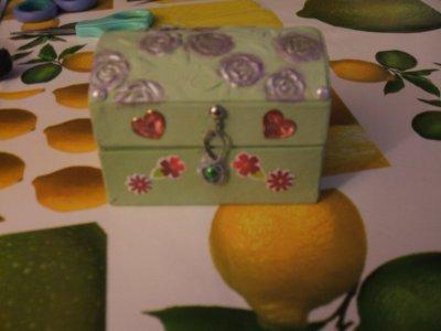 un petit coffre à bijoux...