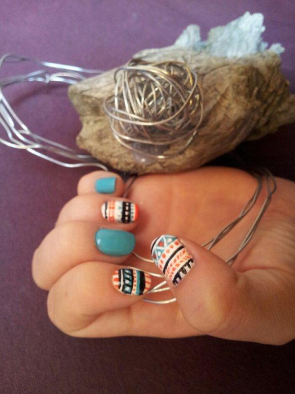 Nail-Art Tribal