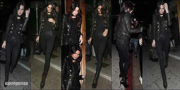 """15/12/2015 : Kendall Jenner (de nuit) toujours accompagnée d'une amie sortait du resto """"The Nice Guy"""". Tenue plutôt simple pour Kenny mais qui fait l'affaire, j'adoooore sa tenue all black super classe et ses chaussures sont superbes, un top!"""