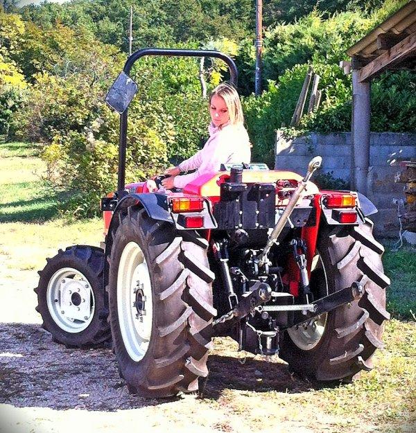 Moi sur un tracteur ^^