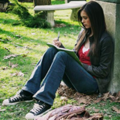 Saison 1 Episode 1 : Elena Gilbert