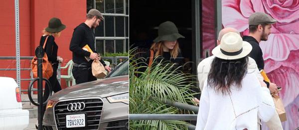 10/06 : Notre belle Emma a été vu arrivant à l'aéroport de LAX, afin de retourner (sans Andrew) à NYC.