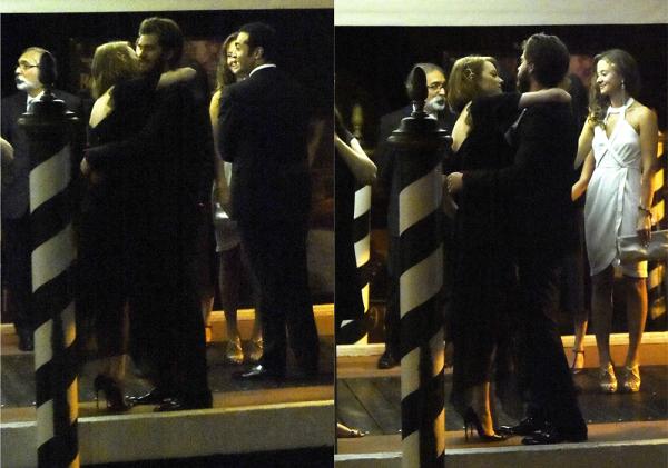 """29/08 : A son tour, Andrew dut présenter au festival de Venise son nouveau projet """"99 Homes"""", en foulant le tapis rouge. Emma s'est rendue dans la salle de projection pour le soutenir, comme celui-ci l'avait fait pour elle quelques jours plus tôt. Puis, ils sont partis vers leur hôtel main dans la main."""
