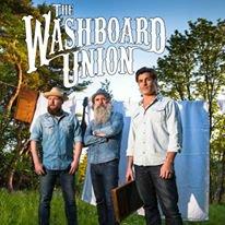 """The Washboard Union : Un trio très dynamique . Leur dernier titre """" SHOT OF GLORY """" nous a inspiré une belle chorée à Valou et moi même . Une belle découverte musicale ."""