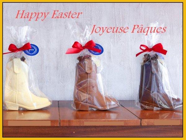 Vous avez été sages les copines , alors les cloches sont passées chez moi pour vous : Bon weekend de Pâques à vous , pour certaines dansez bien et surtout amusez vous , et ne désespérez pas le printemps va bien finir par montrer le bout de son nez ..... bisous