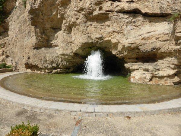 Une fontaine de Millau :
