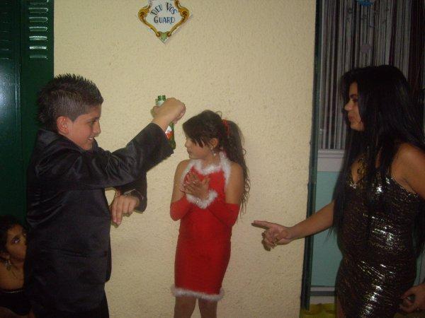 moi et mé cousine et mon cousin pour noel