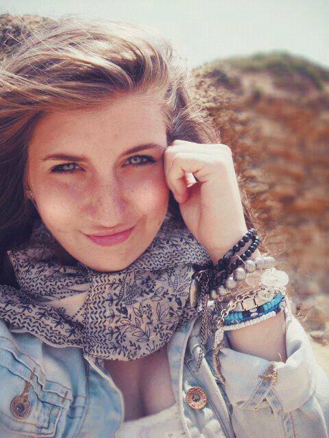 Souris à la vie et la vie te sourira ;).